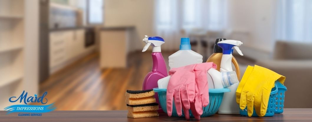 cleaning-a-house-to-sell